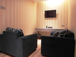 A seating area at Mandarin Hotel Kota Kinabalu