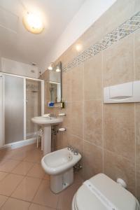 A bathroom at Hotel Minerva