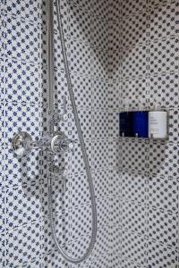 A bathroom at Smådalarö Gård Hotell & Spa