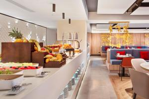 A restaurant or other place to eat at Eurostars Guadalquivir