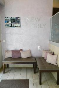 A seating area at New Orly