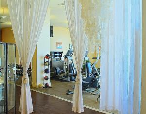 The fitness center and/or fitness facilities at DoubleTree by Hilton Ocean Point Resort - North Miami Beach
