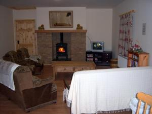 A seating area at Valley Lodge Farm Hostel