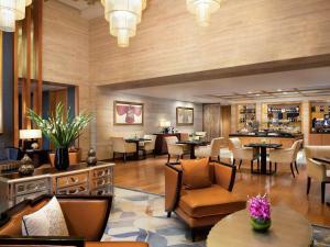 El salón o zona de bar de Fairmont Beijing
