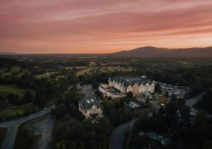 A bird's-eye view of Hotel Chateau Bromont