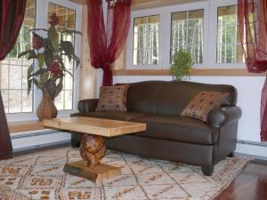 A seating area at Fiddlerslake B&B and Apartment
