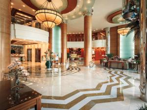 Swissôtel Al Murooj Dubai, Дубай - обновленные цены 2021 года