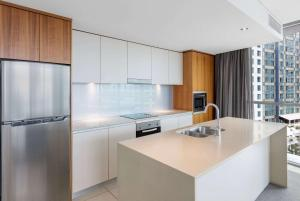 A kitchen or kitchenette at Wyndham Resort Surfers Paradise
