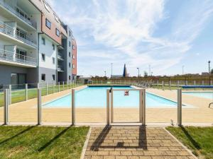 Tennis and/or squash facilities at ibis Styles Zeebrugge or nearby