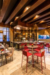 A restaurant or other place to eat at Hilton Garden Inn Bogota Airport