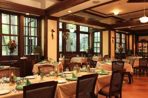 A restaurant or other place to eat at Hotel La Neige Honkan