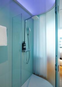 Ein Badezimmer in der Unterkunft citizenM Washington DC Capitol