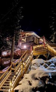 Whistler Lodge Hostel in de winter