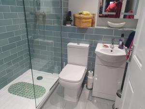 A bathroom at Anerley-Crystal Palace