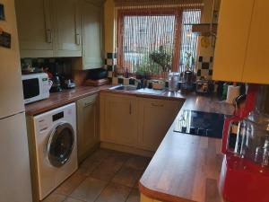 A kitchen or kitchenette at Anerley-Crystal Palace