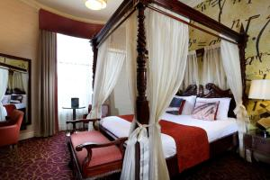 A bed or beds in a room at Liverpool Inn Hotel, Sure Hotel Collection by Best Western