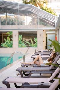 Het zwembad bij of vlak bij Hotel Helios Lloret