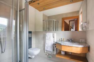 A bathroom at Hotel Sabała