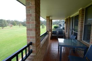 A balcony or terrace at Cootamundra Heritage Motel & Apartments