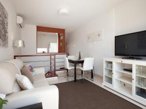 A television and/or entertainment center at Blaumar