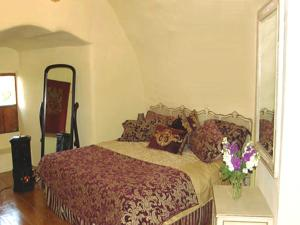 A bed or beds in a room at Faside Estate