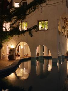 Piscina di Hotel Carasco o nelle vicinanze