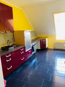 Küche/Küchenzeile in der Unterkunft Zimmer in Kaiserslautern