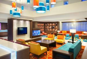 The lounge or bar area at Residence Inn by Marriott Miami Airport