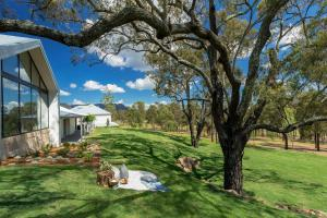 A garden outside Spicers Guesthouse