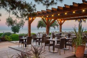 Restaurant ou autre lieu de restauration dans l'établissement Hotel Paradou Mediterranee, BW Signature Collection by Best Western