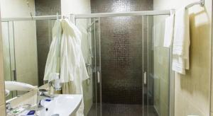 Ванная комната в Рест Хаус Отель