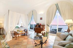 Area soggiorno di Hotel Caesar Augustus