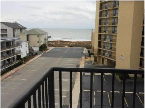 A balcony or terrace at Ocean Time