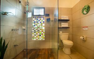 A bathroom at Camino Verde B&B Monteverde Costa Rica