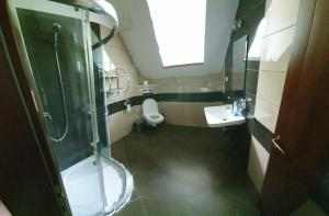 Ein Badezimmer in der Unterkunft Relax Penzion U Adama