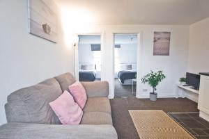 A seating area at Flat 3 Bellvue