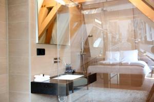 A bathroom at Hotel IX Nine Streets Amsterdam