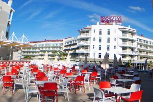 Un restaurante o sitio para comer en Gara Suites Golf & Spa