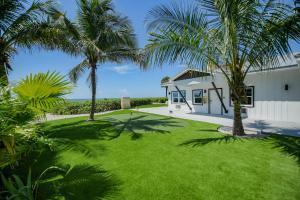 A garden outside Casey Key Resorts - Beachfront
