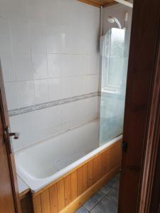 A bathroom at Vob Property 76