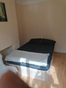 A bed or beds in a room at Vob Property 76