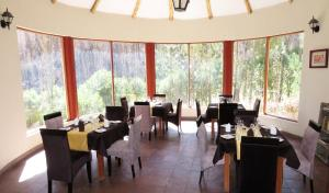 A restaurant or other place to eat at Hotel El Refugio