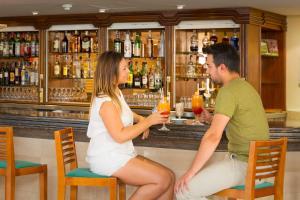 Salon ou bar de l'établissement HSM Hotel Reina del Mar