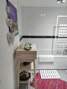 A bathroom at Penge West Retreat
