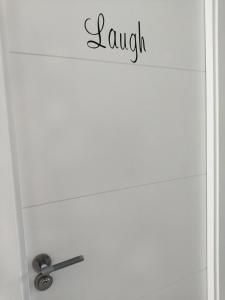 A bathroom at Dudi's Peppers