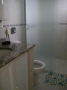A kitchen or kitchenette at Apartamento Meia Preia
