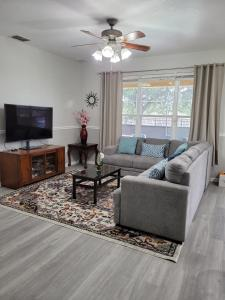 Newly renovated Windsor Hills residential home