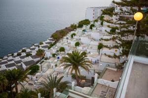 Een luchtfoto van Hotel Altamar