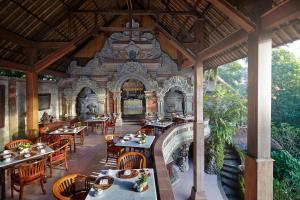 Un restaurant u otro lugar para comer en Hotel Tjampuhan Spa
