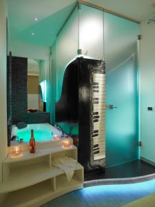 A bathroom at Jazz Style